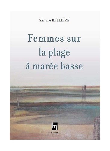 Femmes sur la plage à marée basse
